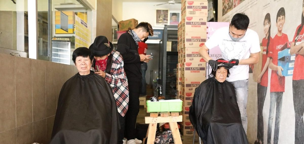 Canon teams up with Kechara Soup Kitchen Society and Joe's Barber to Spread Happiness