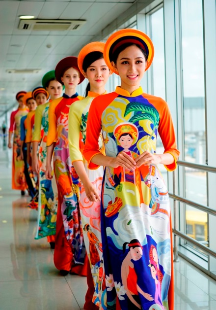 Bring out the vibrancy of the Tet festivities by dressing up in Ao Dai – a traditional Vietnamese long dress.