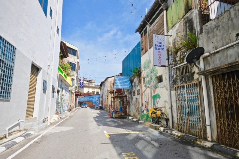 Cultural Walk in Muar showcases a cocktail of artistic and rustic allure that attracts youthful travelers