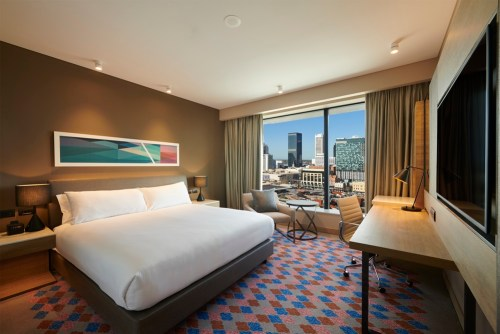 DoubleTree by Hilton Perth Northbridge King Guest Room