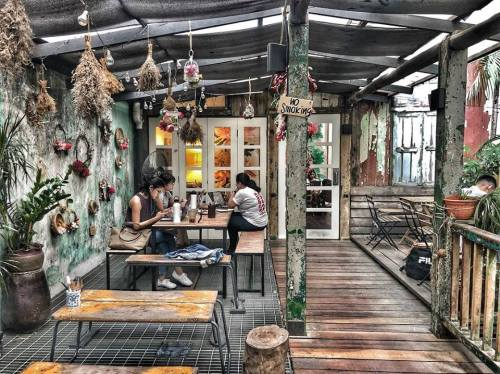 7 Cafes in Malaysia to Cheer Up your Sulking Girlfriend