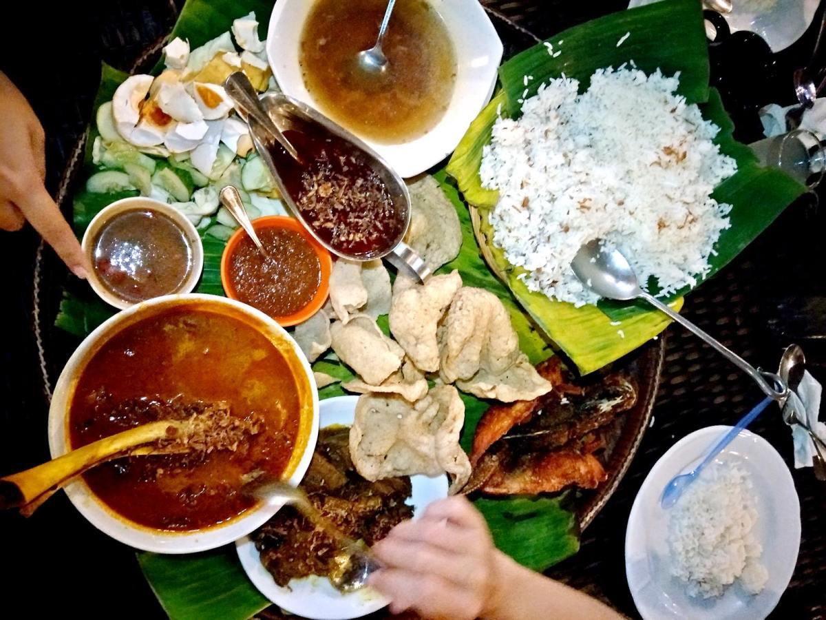 Seashells Restaurant, Laman Padi