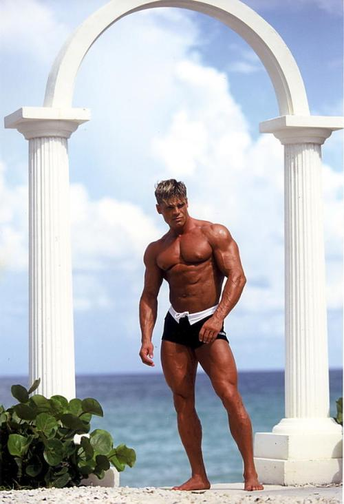 Pasi Schalen - Huge Muscle
