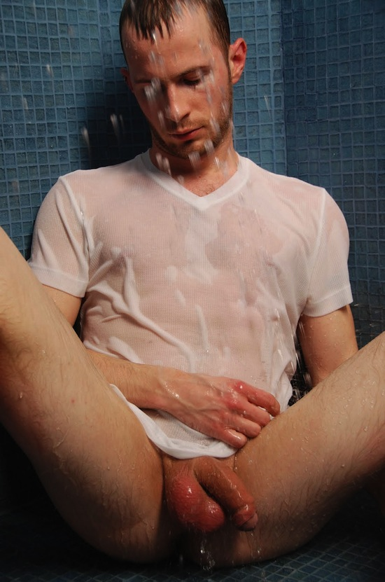 Uncut Guy In The Shower (4)