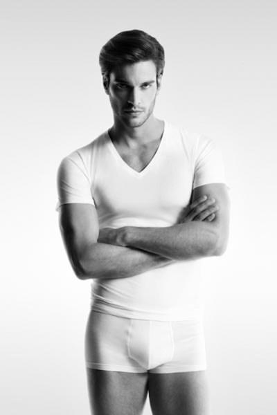 Male Underwear Model - Doing It Right (1)