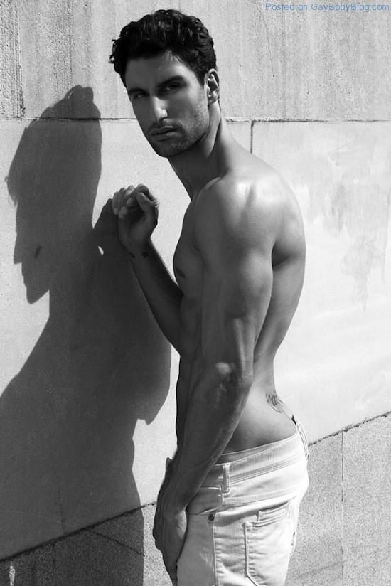 Sexy Alejandro Salgueiro By Thomas Synnamon (3)