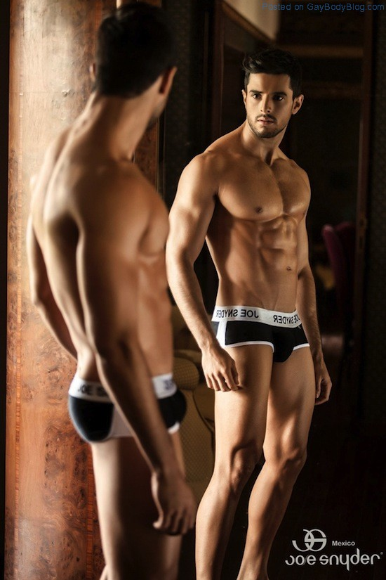 Smooth Muscled Model Felipe Herrera Jiménez (1)