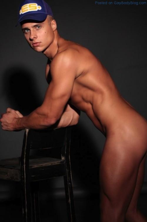 The Gorgeous Den Wok Naked (4)