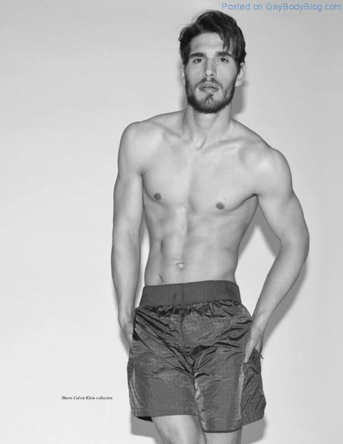Handsome And Rugged Simone Bredariol (5)