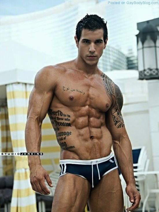 Ripped Muscle Hunk Alan Valdez (1)