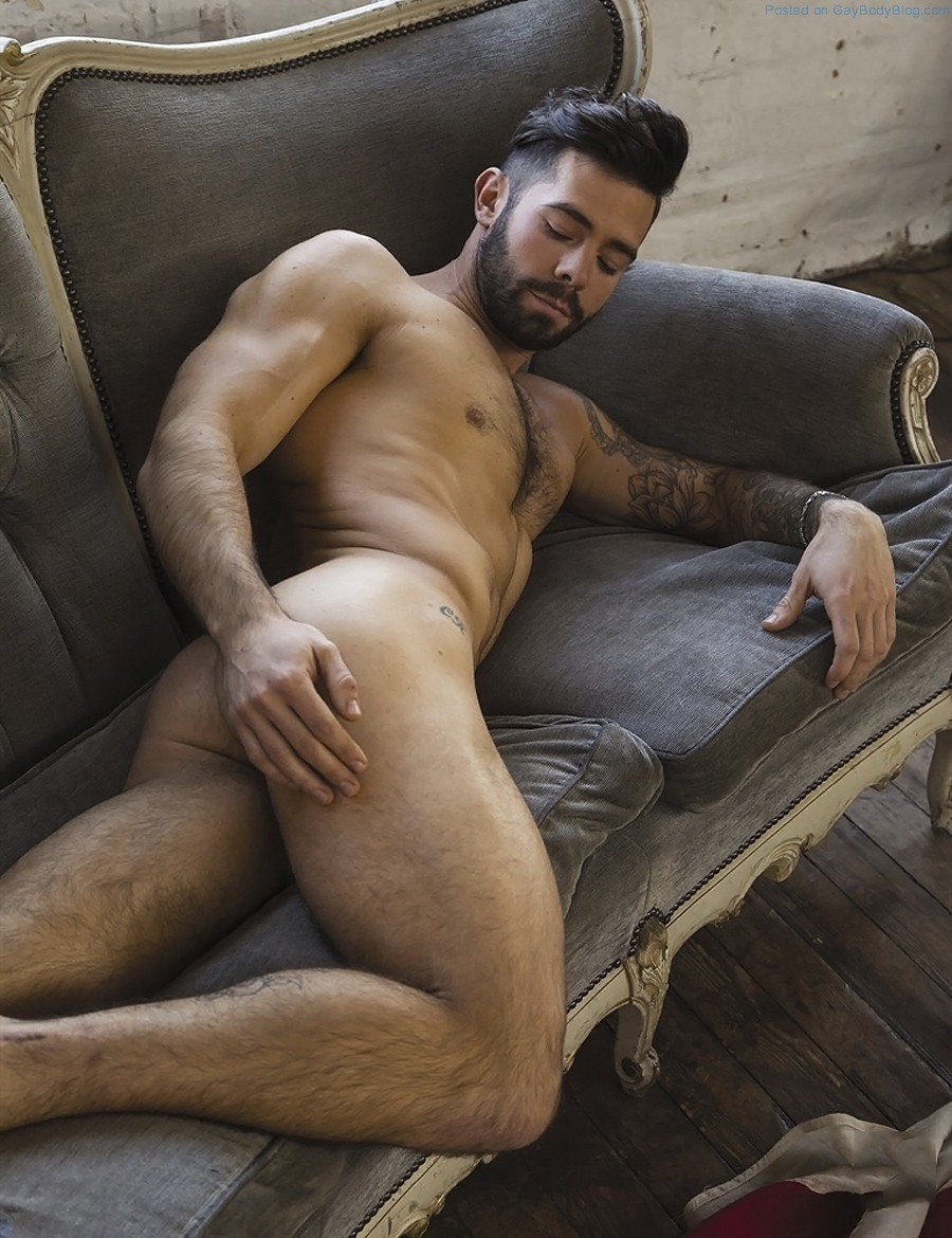 Naked hottie male pics #4