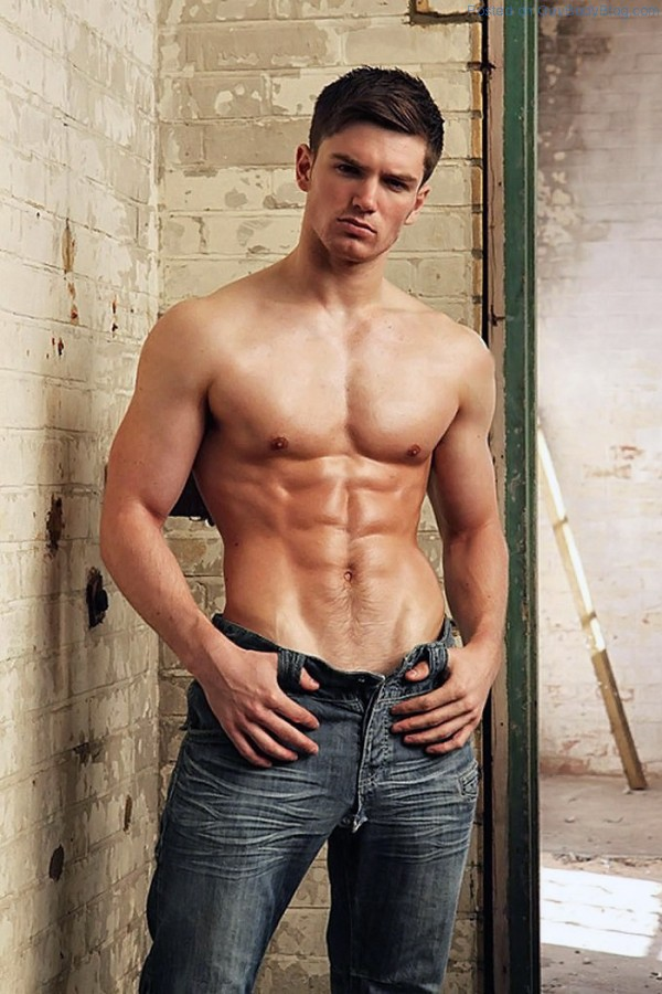 David Witts Is Proud Of His Bulge 4