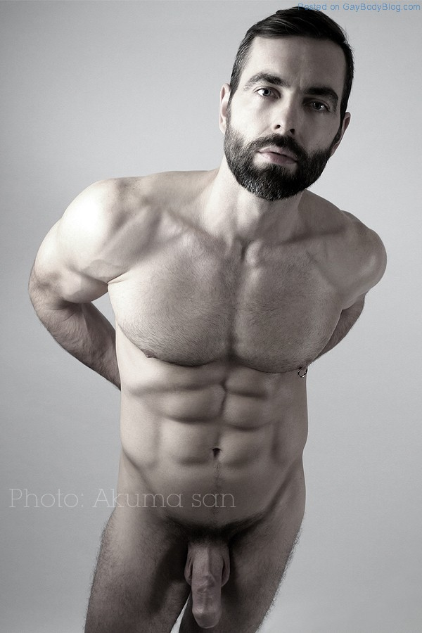 Nude Khloe