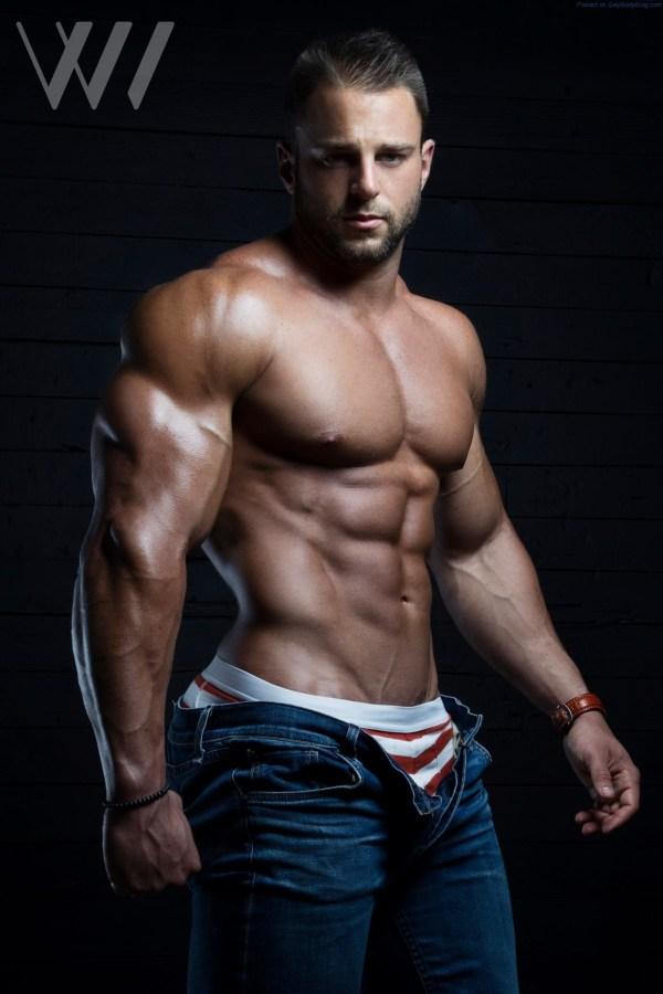 Muscle Hunk Eric Janicki By Eric Wainwright 6