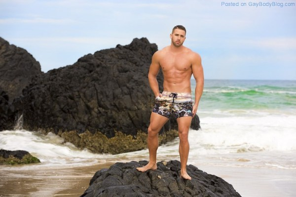 check-out-impressive-muscle-hunk-kurt-hanger-9