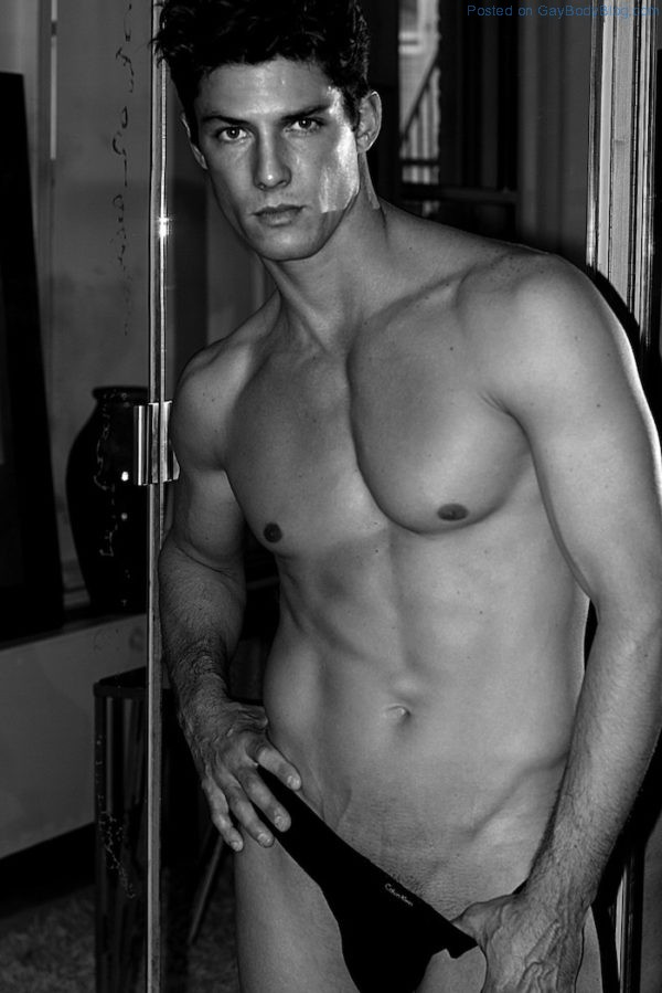 jock-model-bart-grzybowski-looks-hotter-with-short-hair-2