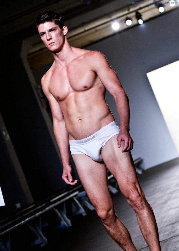 jock-model-bart-grzybowski-looks-hotter-with-short-hair-7