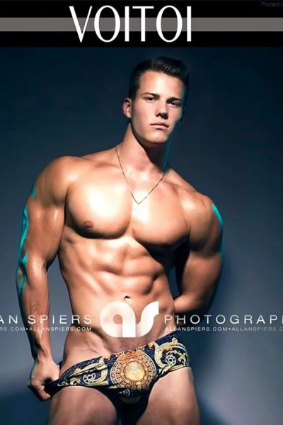 in-the-mood-for-some-powerful-muscle-hunks-1