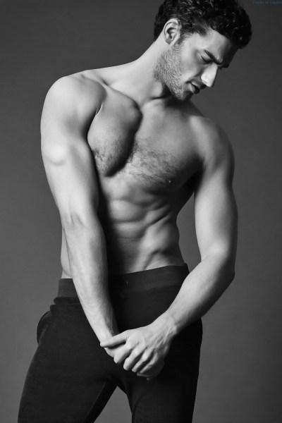 the-bulge-of-handsome-hairy-hunk-aurelien-muller-1