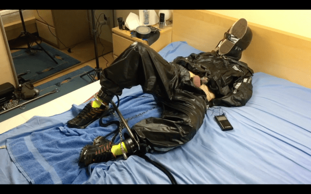EMOBCSMSLAVE'S BREATHLESS SWEAT SUIT CUMSHOT - For free for a limited period -