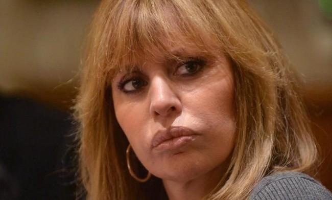 Alessandra Mussolini ribadisce il suo supporto al ddl Zan, dicendosi favorevole alle adozioni gay e ai Pride