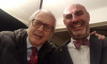 L'ultima di Vittorio Sgarbi: «Ci si scandalizza per porca put*ena e non per i bimbi negli spot con gay»