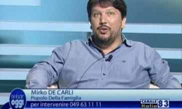 Mirko De Carli, esponente del partito di Mario Adinolfi, continua a insultare