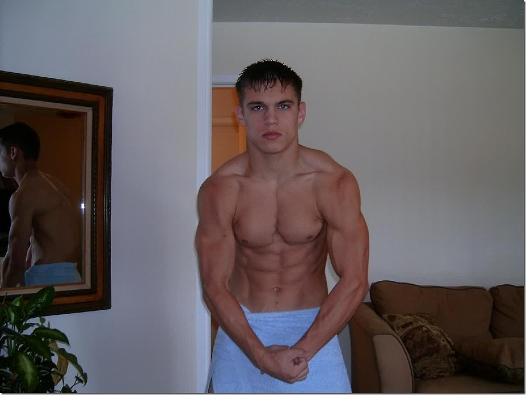straight muscled hunks naked photos
