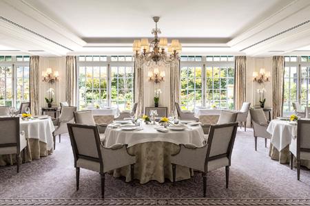 Dining room at L'Abeille, Paris, france