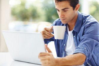 hombre_cafe