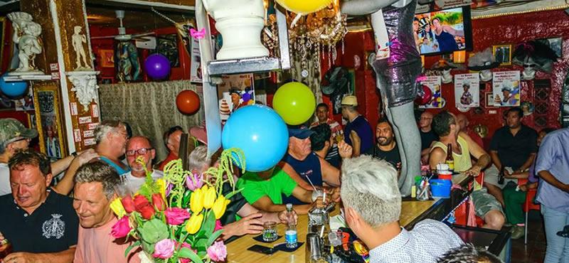 Reinas gay bar Puerto Vallarta