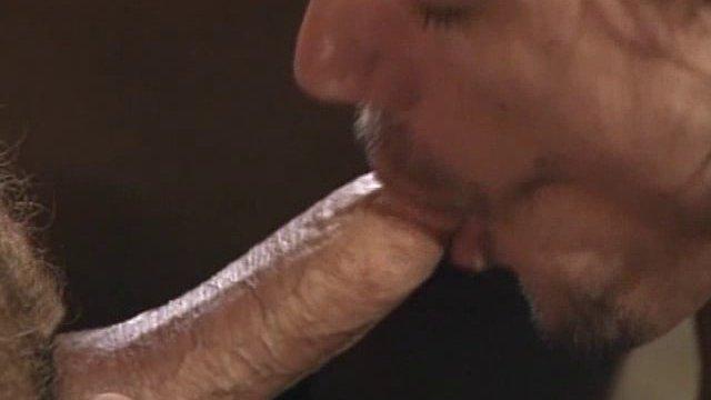 3 gays se sodomisent 01 - Plusieurs mecs gays s'enculent à sec
