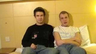 Vidéo amateur avec Pipe et sodomie entre mecs
