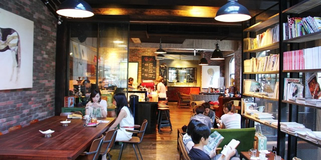 Stylish yet unassuming, the A8 Cafe is a mecca for Taipei's cool gays and celebrities.