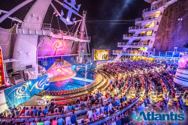 Atlantis Mittelmeer Kreuzfahrt Bühne