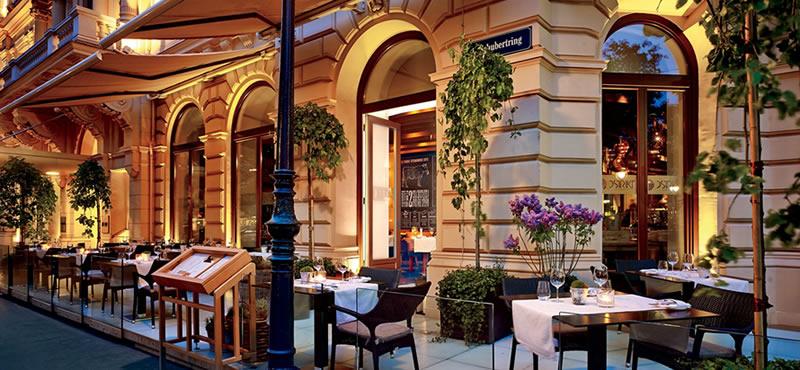 Dstrikt Steakhouse restaurant Vienna