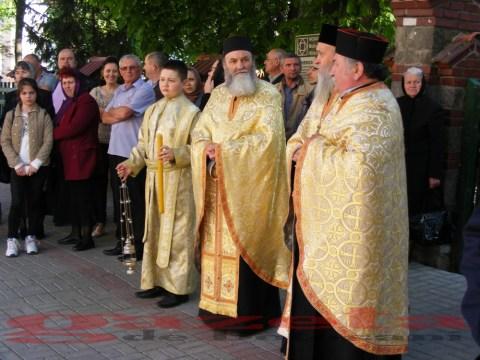 moaste-sf gheorghe-biserica-slujba-preoti (71)