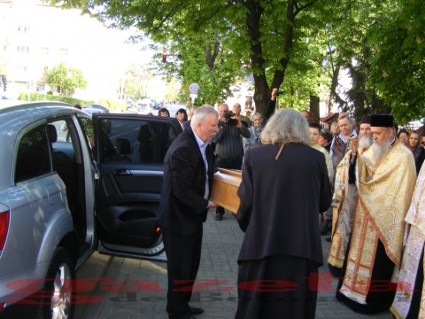 moaste-sf gheorghe-biserica-slujba-preoti