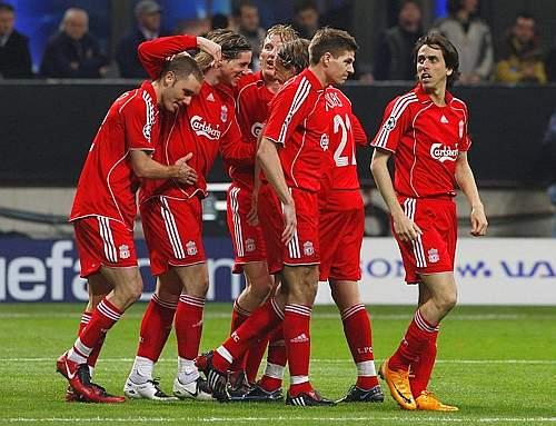 E sull'altro fronte esulta il Liverpool: i quarti sono conquistati. L'Inghilterra avanza con 4 squadre. Reuters