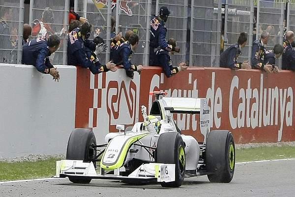 Arivo in scioltezza per Jenson Button. (GazSport)