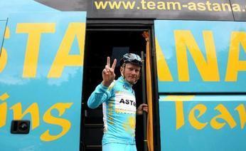 Alexandre Vinokourov, 33 anni, ha abbondanato il Tour con tutta l'Astana. Ansa