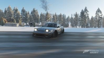 Si parte con un classico la Nissan S13!