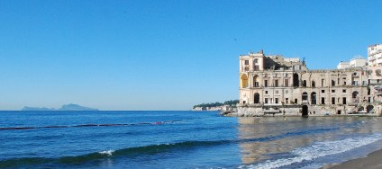 Palazzo Donn'Anna e Capri NA