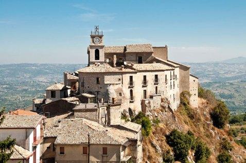 Il borgo di Castelvetere 1