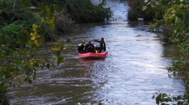 Auto in fiume: da Roma squadra sub con sonar subacqueo