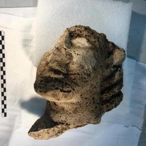 La testa arcaica trovata a Paestum