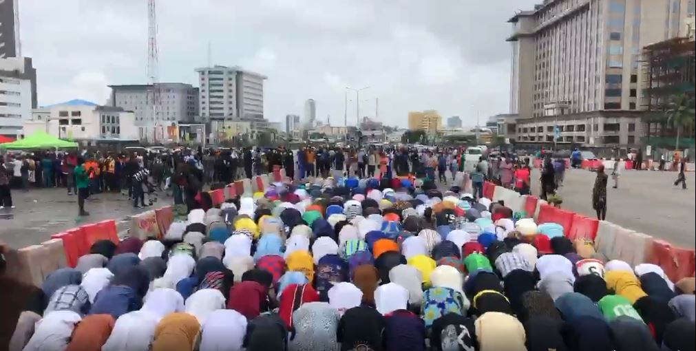 End SARS: Todays Jumat Service was in front of Lekki Toll Gate