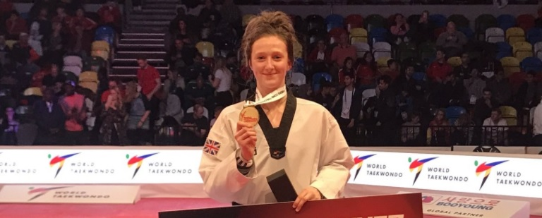 Welsh wonder Lauren Williams leads Great Britain 1-2-3 at World Taekwondo Grand Prix.