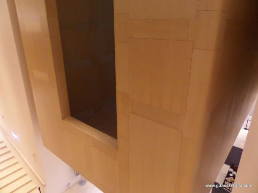 podwieszane foyer