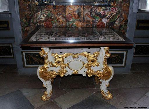 Pałac Skokloster, pięknie zachowane tapety, mebelek też niczego sobie....